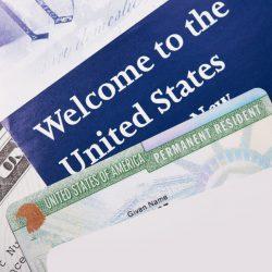 Thẻ xanh là gì mà hàng triệu người trên thế giới điều mong muốn có được?