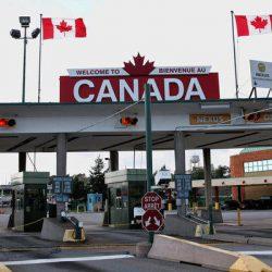 Canada tiếp tục hạn chế nhập cảnh đến 31/10